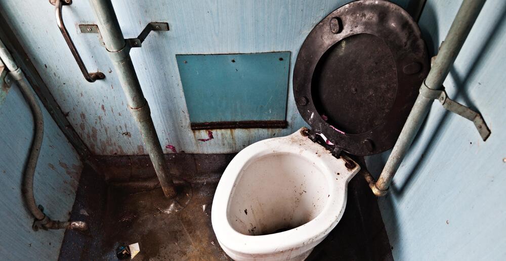 lyubiteli-gryaznih-tualetov-glubokiy-anal-s-vanessoy-leyn