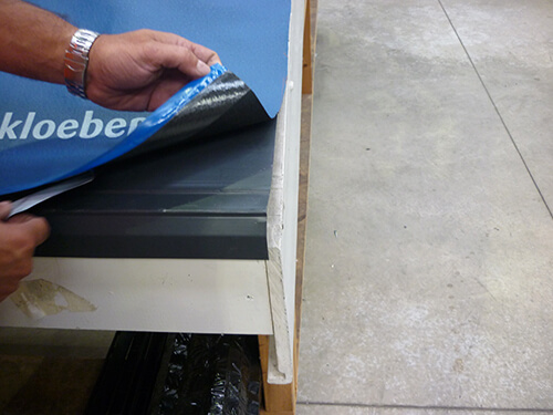 Installing breathable roofing membranes
