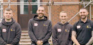 Roofer team
