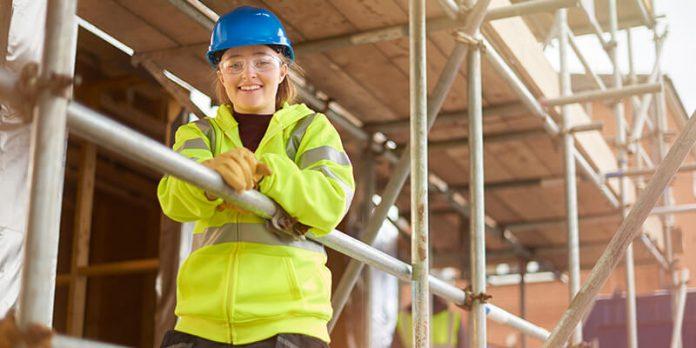 Apprentice on construction site -Flexible apprenticeship